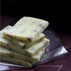 Domowa biała czekolada z pistacjami