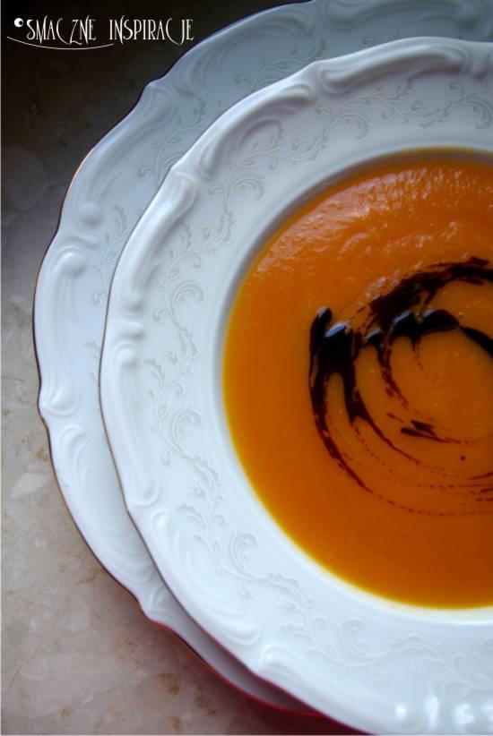 1_-zupa-dyniowa-z-pomidorami