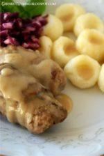 Nadziewane rolady wołowe, kluski śląskie i modra kapusta, czyli śląski obiad