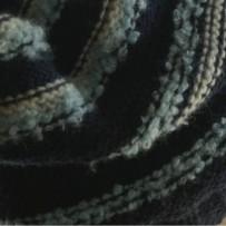 Granatowa, luźna czapka w paseczki