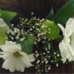 Jak zrobić elegancki wianek ze świeżych kwiatów