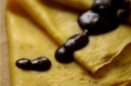 Naleśniki z dyni bez jajek i sos czekoladowo – owocowy