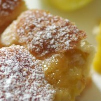 Ciasto z renklodami na maślance (bez glutenu)