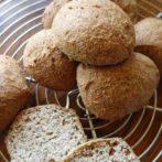 Delikatne bułki migdałowe (bez glutenu)